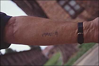 Auchwitz_a_tattoo_420x284