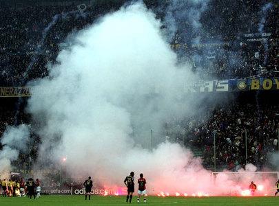 Milan_derby_feuerwerk